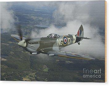 Supermarine Spitfire Mk.xvi Fighter Wood Print by Daniel Karlsson