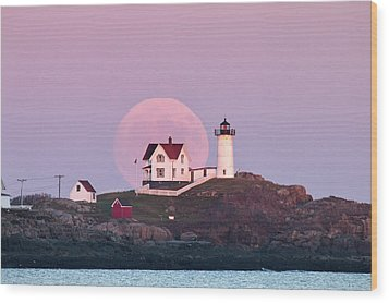 Supermoon Over Nubble Lighthouse Wood Print