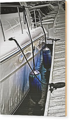 Sure-thing Boat Wood Print by Gwyn Newcombe