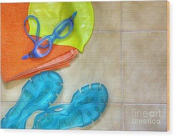 Swimming Gear Wood Print by Carlos Caetano