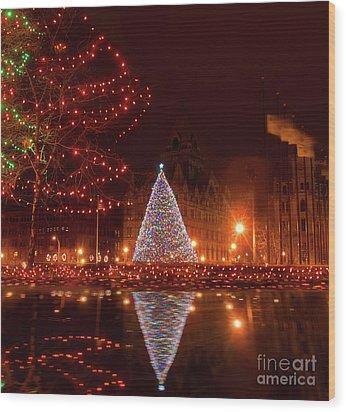 Syracuse, Ny Christmas Tree Wood Print by Debra Millet