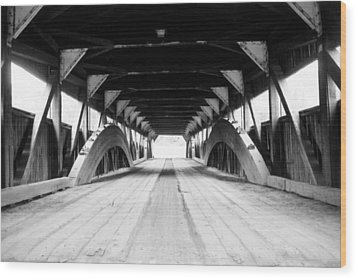 Taftsville Covered Bridge Wood Print by Greg Fortier