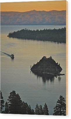 Tahoe Queen Steaming Into Emerald Bay Wood Print