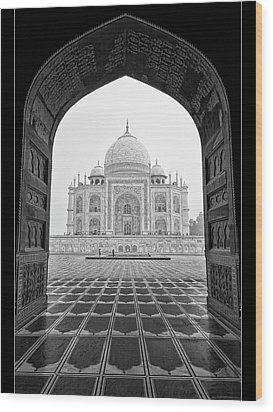 Wood Print featuring the photograph Taj Mahal - Bw by Stefan Nielsen