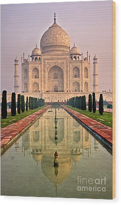 Taj Mahal At Sunrise Wood Print by Luciano Mortula