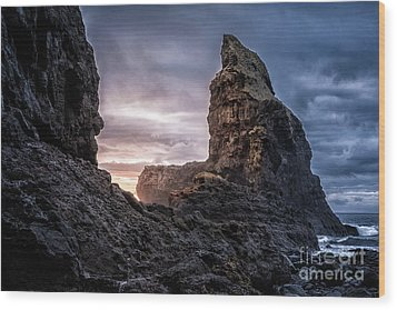 Talisker Bay Scotland - Isle Of Skye Wood Print by Matt Trimble