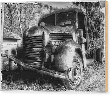 Tam Truck Black And White Wood Print by Marko Mitic