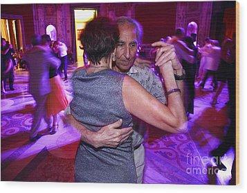 Tango In Buenos Aires Wood Print by Bernardo Galmarini