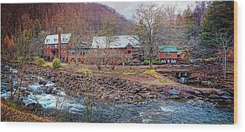 Wood Print featuring the photograph Tapoco Lodge by Debra and Dave Vanderlaan