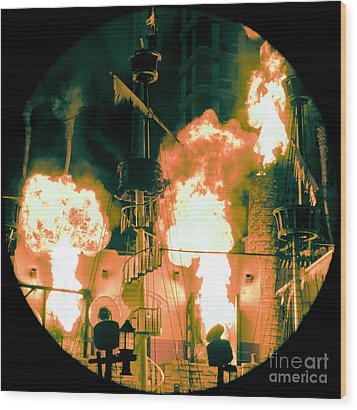 Target In Flames Wood Print by Andy Smy