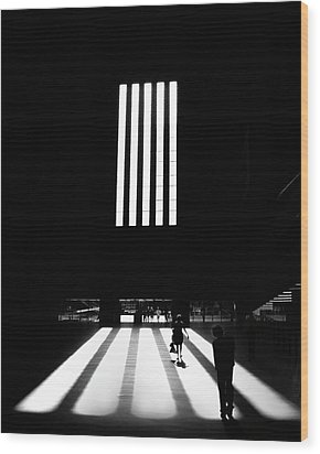 Wood Print featuring the photograph Tate Modern by Art Shimamura