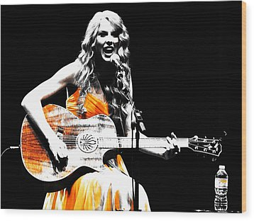 Taylor Swift 9s Wood Print by Brian Reaves