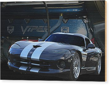 Ted 950 Hp Viper Wood Print by Jim  Hatch