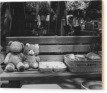 Teddy Bear Lovers On The Bench Wood Print