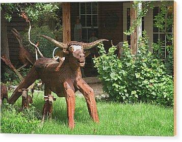 Texas Longhorn Sculpture Wood Print by Linda Phelps