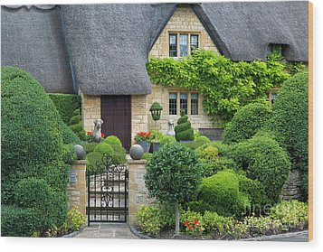 Wood Print featuring the photograph Thatch Roof Cottage Home by Brian Jannsen