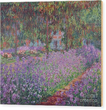 The Artists Garden At Giverny Wood Print by Claude Monet