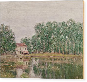 The Banks Of The Canal At Moret Sur Loing Wood Print by Alfred Sisley