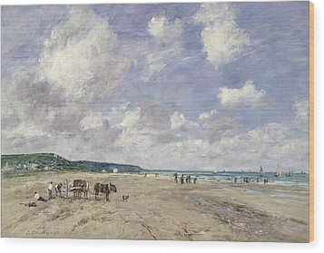 The Beach At Tourgeville Wood Print by Eugene Louis Boudin