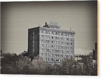 The Bethlehem Hotel Wood Print by Bill Cannon