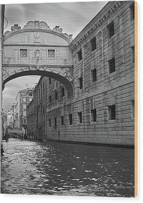Wood Print featuring the photograph The Bridge Of Sighs, Venice, Italy by Richard Goodrich