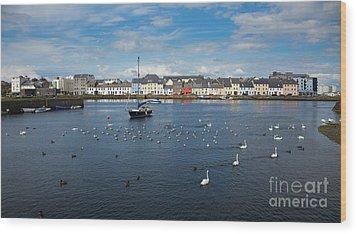 The Claddagh Galway Wood Print by Gabriela Insuratelu