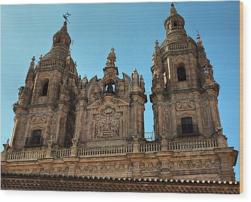 Wood Print featuring the photograph The Clerecia Church In Salamanca by Farol Tomson