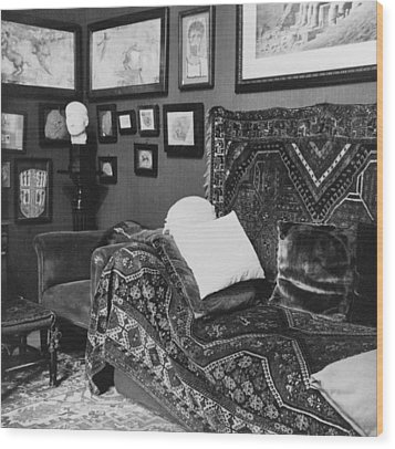 The Couch In The Consulting Room Wood Print by Everett