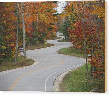 The Curvy Road Wood Print