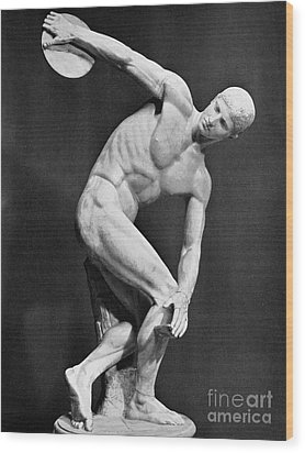 The Discobolus, 450.b.c Wood Print by Granger
