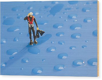 Wood Print featuring the photograph The Diver Among Water Drops Little People Big World by Paul Ge
