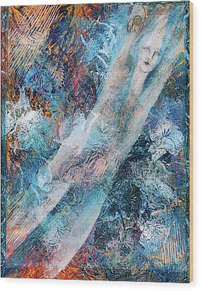 The Diver Wood Print by Sue Reed