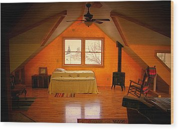 The Dog's Bed Wood Print by Lenore Senior