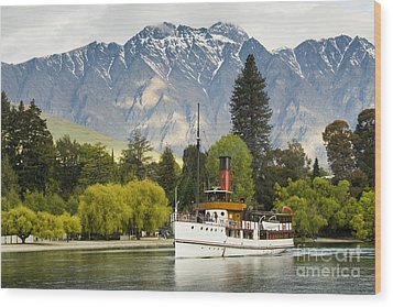 Wood Print featuring the photograph The Earnslaw by Werner Padarin