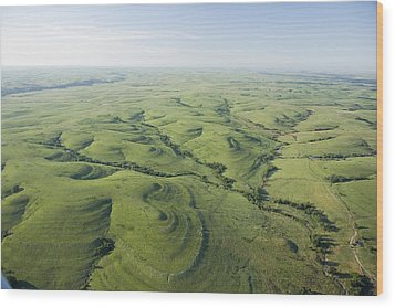 The Flint Hills Of Kansas Wood Print by Jim Richardson