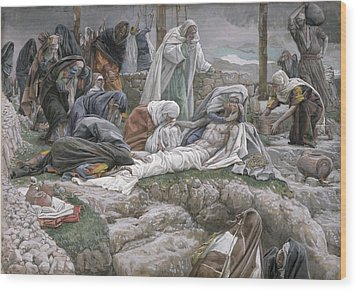 The Holy Virgin Receives The Body Of Jesus Wood Print by Tissot