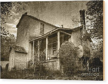 Wood Print featuring the photograph The Home Place by Pete Hellmann