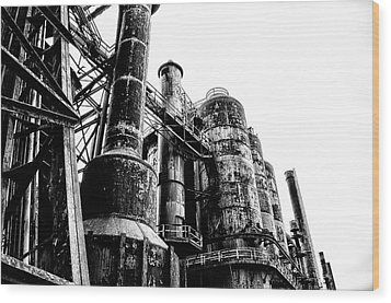 The Industrial Age At Bethlehem Steel In Black And White Wood Print by Bill Cannon