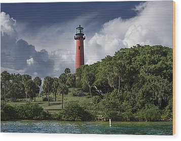 The Jupiter Inlet Lighthouse Wood Print by Laura Fasulo