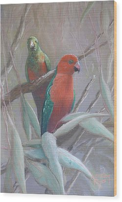 The King And Queen - King Parrots Wood Print by Leigh Rust