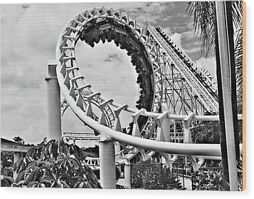 The Loop Black And White Wood Print by Douglas Barnard