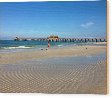 The Naples Pier At Low Tide Wood Print by Robb Stan