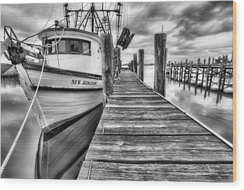 Wood Print featuring the photograph The New Horizon Shrimp Boat Bw by JC Findley