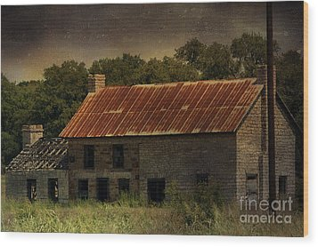 The Old Barn Wood Print by Jill Smith