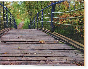 the old bridge over the river invites for a leisurely stroll in the autumn Park Wood Print