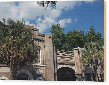The Old Slave Market Museum In Charleston Wood Print by Susanne Van Hulst
