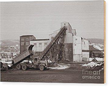 The Olyphant Pennsylvania Coal Breaker 1971 Wood Print