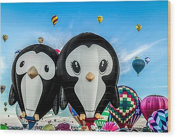 Puddles And Splash - The Penguin Hot Air Balloons Wood Print
