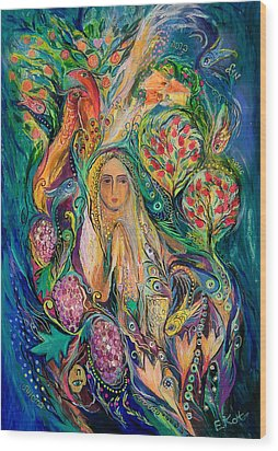 The Queen Of Shabbat Wood Print by Elena Kotliarker