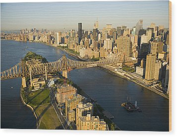 The Queensborough Bridge, Roosevelt Wood Print by Michael S. Yamashita